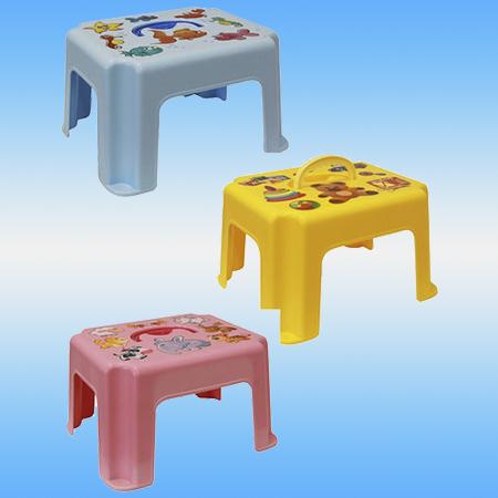 Табурет - подставка детская с ручкой цвет микс 29х23х19 (
